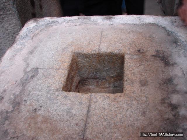 미륵사지 석탑 사리공