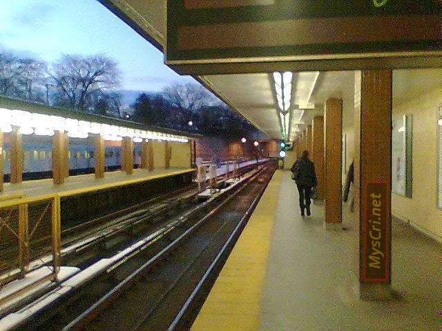 Davisville Subway Station